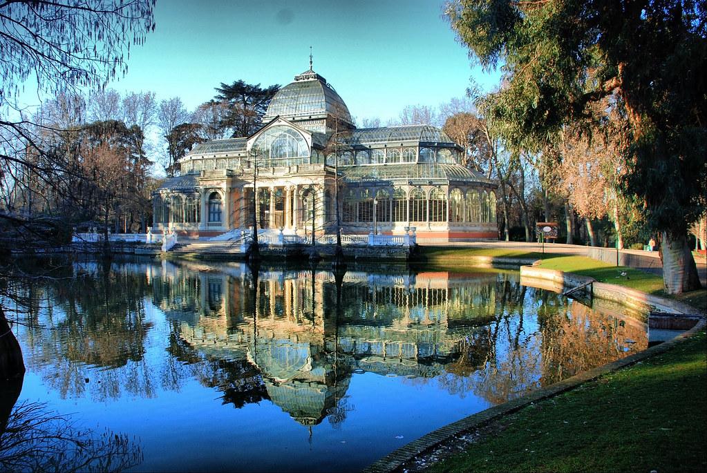 Madrid palacio de cristal del retiro vista invernal for Casa y jardin tienda madrid