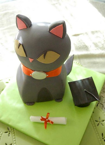 graduation kitty cake | by Tuff Cookie cakes by Sylvia