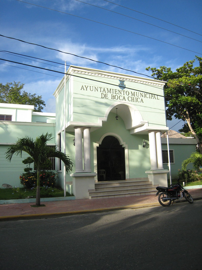 Resultado de imagen para ayuntamiento Boca Chica