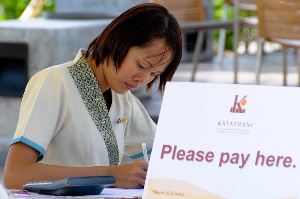 Casino cashier duties