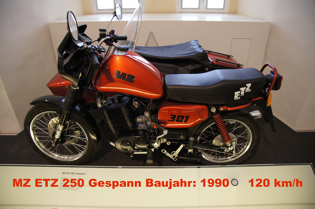 augustusburg motorradmuseum mz etz 250 gepann von 1990. Black Bedroom Furniture Sets. Home Design Ideas