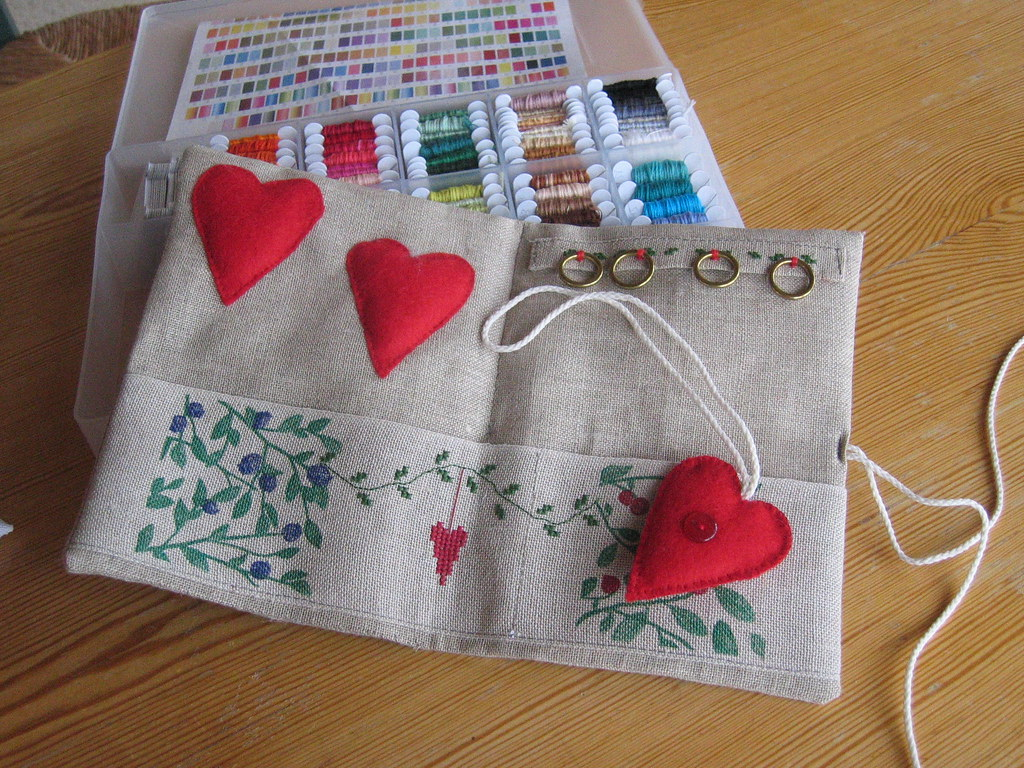 sewing valentine craft ideas trousse sewing pouch feutrine broderie 5397