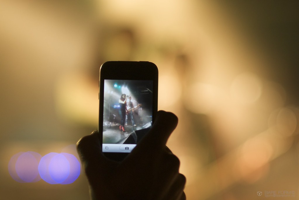 how to get pictures from camera to phone