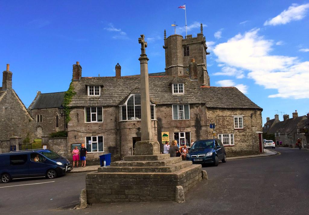 """Castillo de Corfe - La Bruja Novata - Inglaterra castillo de corfe - 32050388023 5d6a7511b1 b - Escenarios de """"La Bruja Novata"""" – Castillo de Corfe"""
