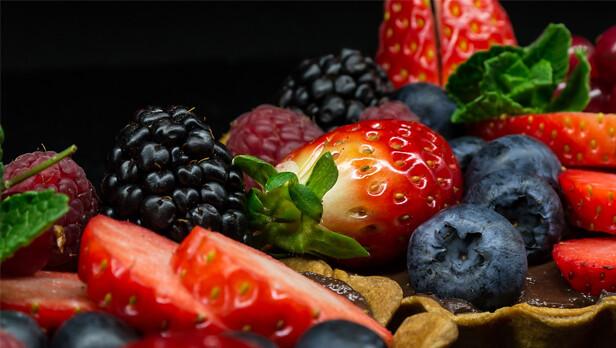 alimentos-rejuvencen-frutosrojos-616x348