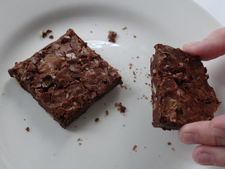 Classic brownies / Brownies clássicos | by Patricia Scarpin