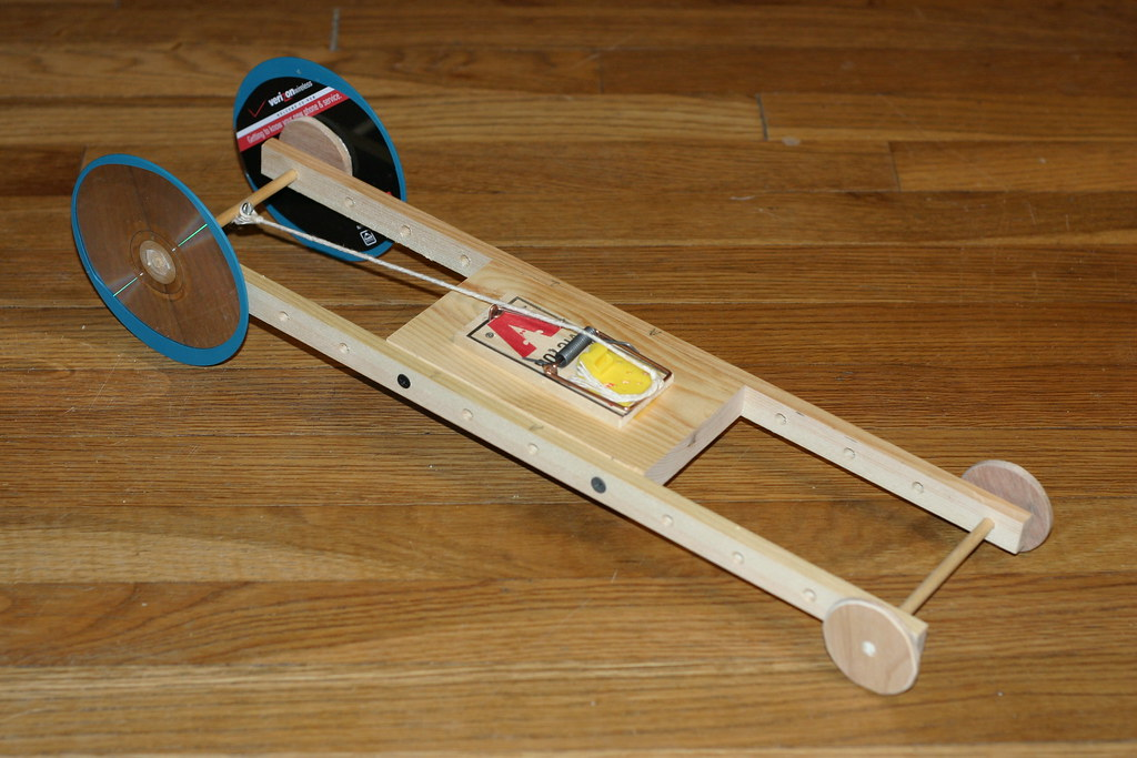 Wood Race Car With Wheels Of Cd