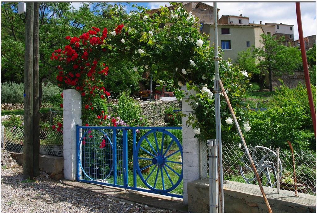 Entrez dans mon jardin le portail fleuri d 39 un jardin for Mon jardin 3d
