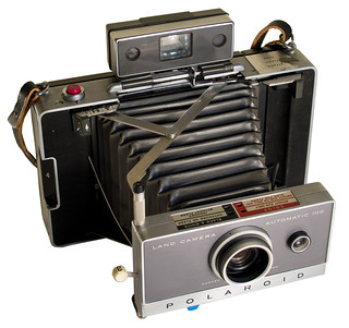 Polaroid Land Camera 100 (three-quarter view) | by Timmy Toucan