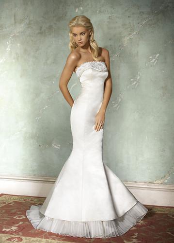 AV9604 - Alvina Valenta Wedding Dresses / Alvina Valenta W… | Flickr