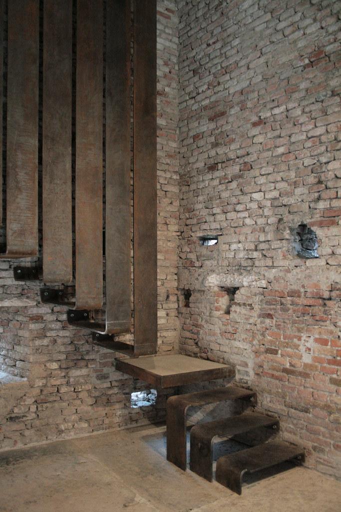 Museo di castelvecchio carlo scarpa fredefele flickr - Interior design verona ...