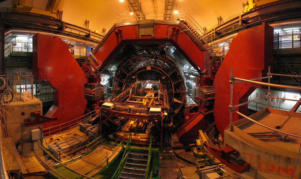 ALICE - A Large Ion Collider Experiment at Cern ...