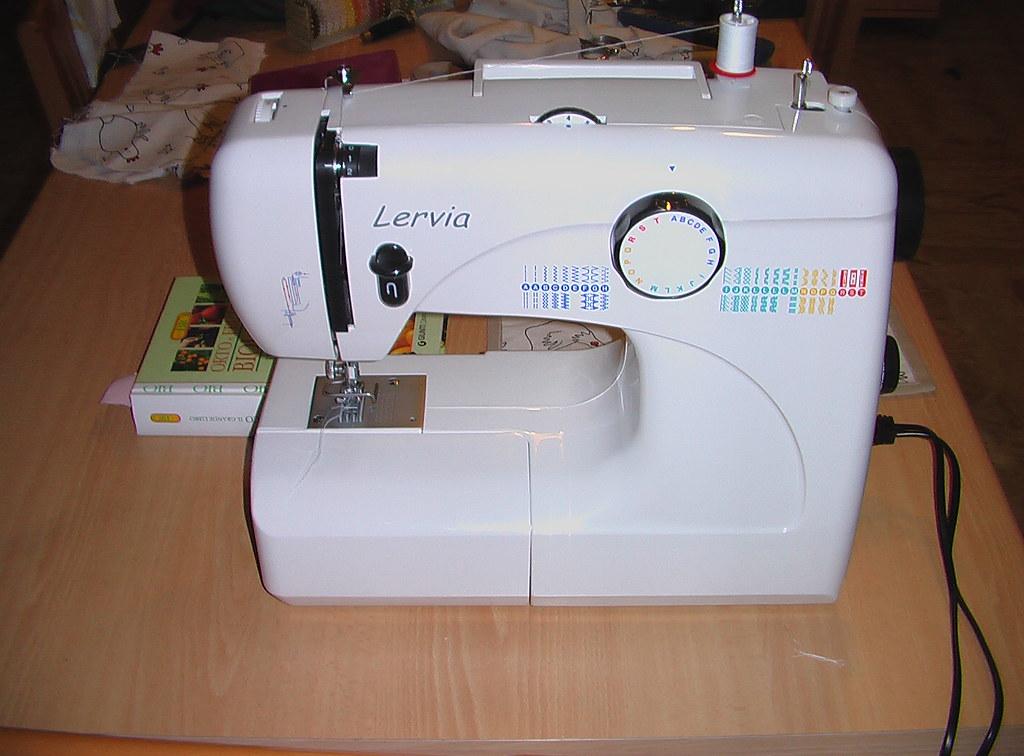 Macchina da cucire lidl elisamu flickr for Ipercoop macchina da cucire