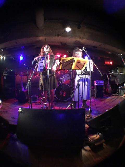 ジャバラガールズ live at Manda-La 2, Tokyo, 23 Feb 2017 - fisheyed iphone photo