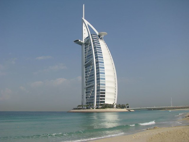 Famous burj al arab hotel dubai 6 said to be the for Dubai famous hotel