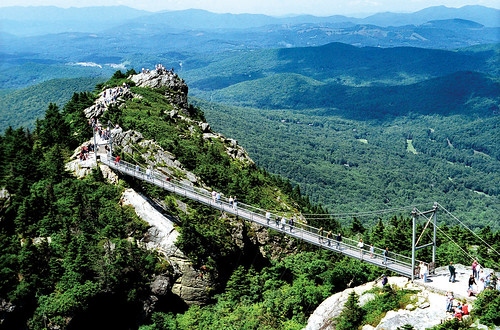 Grandfather Mountain on the Blue Ridge Parkway | by Smart Destinations