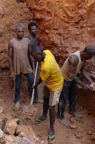 Mining in Kailo | by Julien Harneis