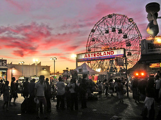 Astroland and the Wonder Wheel | by pyro.geezers