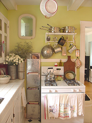 cottage kitchen at our old house | confetti garden- nicole hill ...