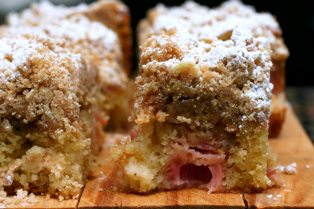 Apple Rhubarb Coffee Cake Recipe