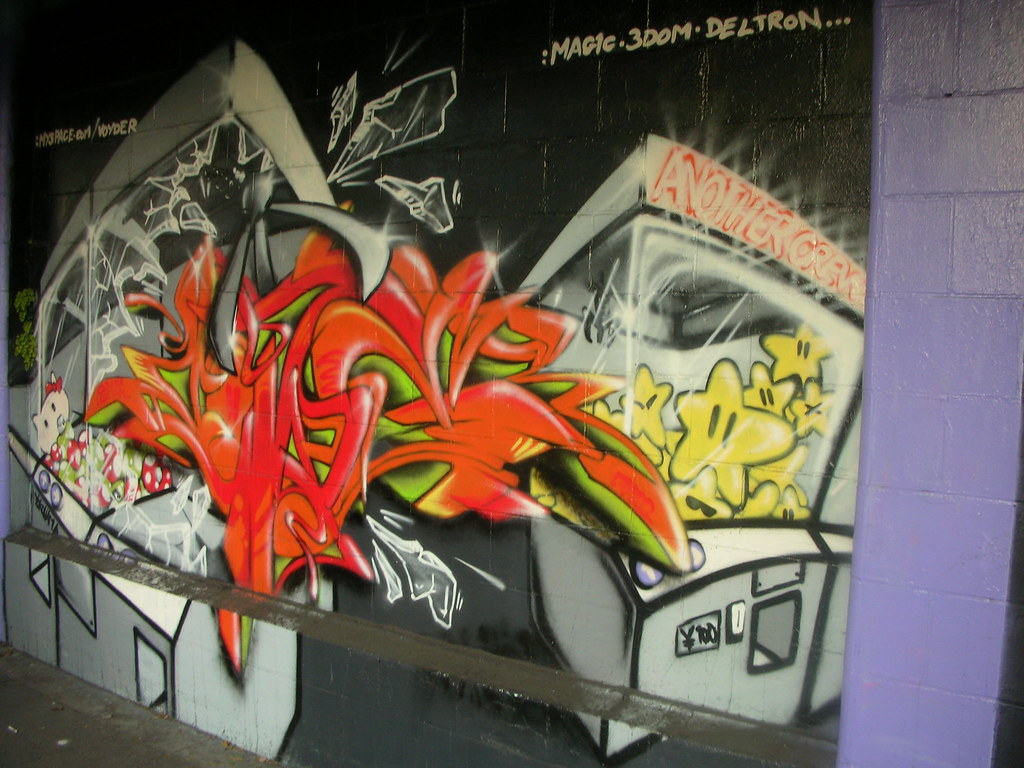 Yokohama graffiti wall - Yokohama Graffiti Wall 18