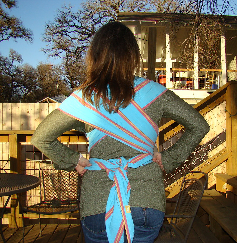 Diy Baby Wrap It Crosses And Ties In The Back For More Sup