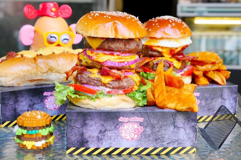 32106143303 5a9b2c76bf c - 【熱血採訪】堡彪專業美式漢堡:看電影也能享受外帶豪邁工業風漢堡!每層6.5盎司三倍純牛肉起司漢堡真材實料好推薦!