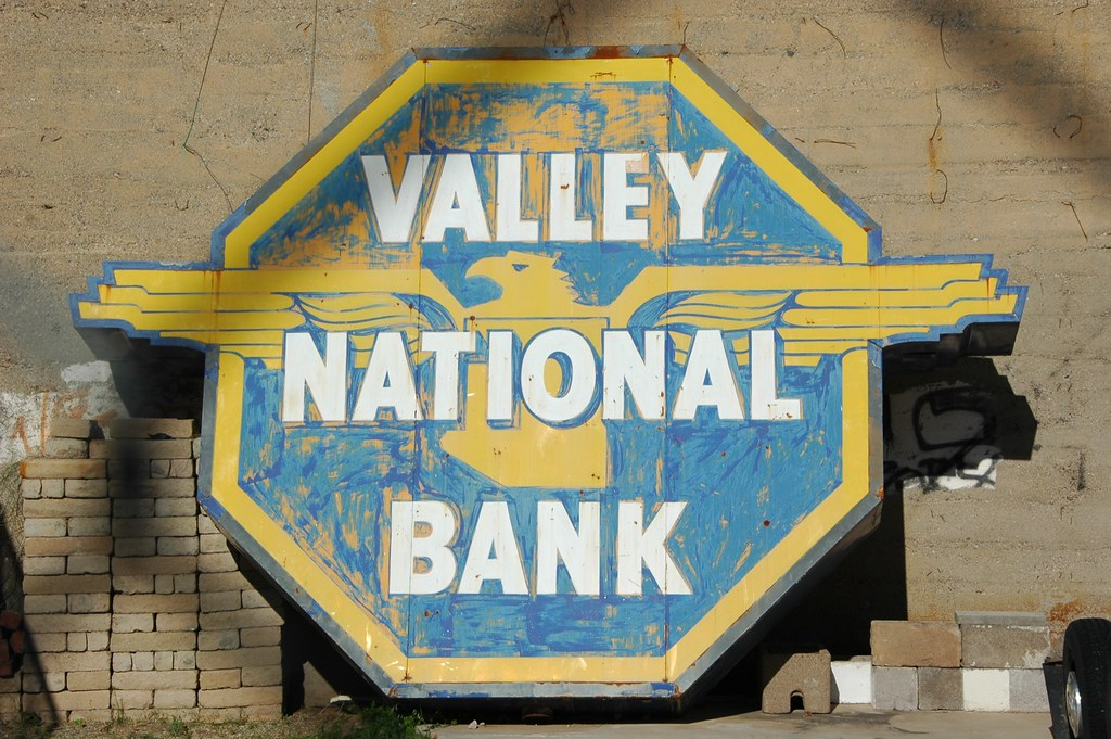 valley national bank essay Exercise 13: human resource issues at valley national bank overview: chapter 1 introduced you to human resource issues that hrm professionals and general managers must deal with if they are to assist the organization in becoming competitive and.