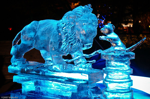 zoolights: the lion & the mouse | Completed ice sculpture ...