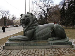 Lion at the War Memorial | by Klearchos Kapoutsis