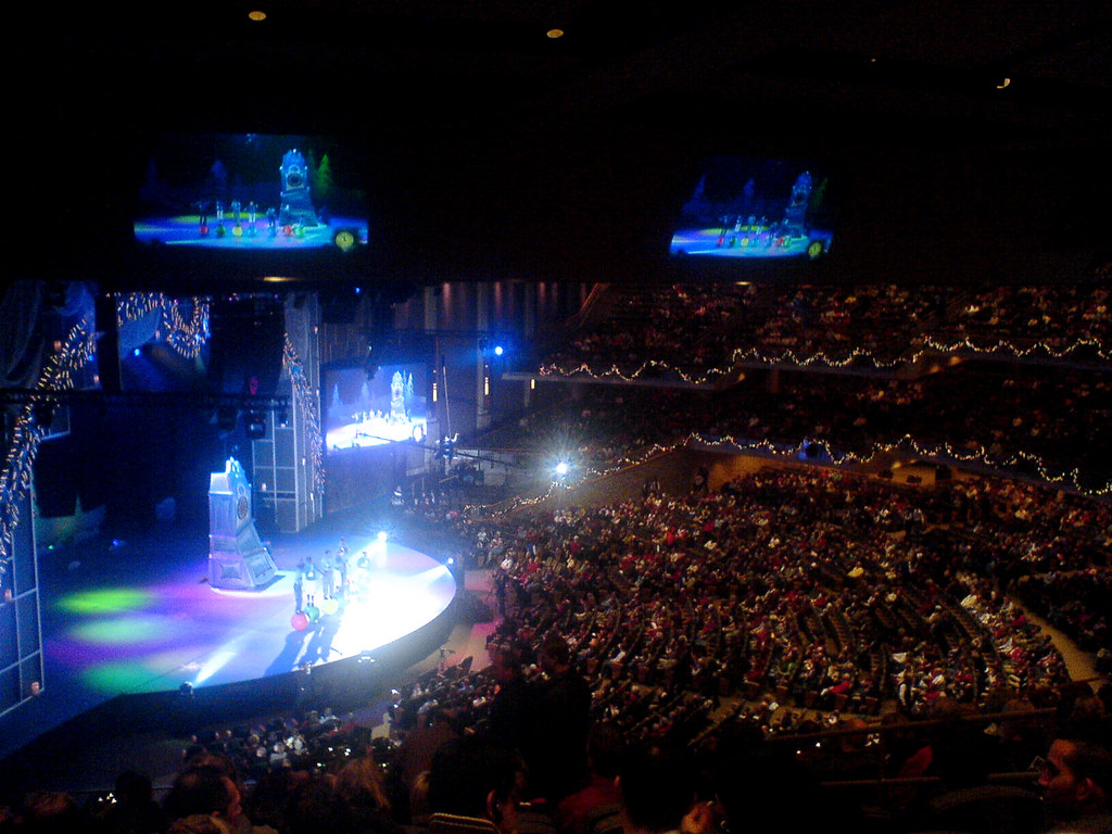 christmas eve at willow creek mega church usa by fakebook - Christmas At Willow Creek