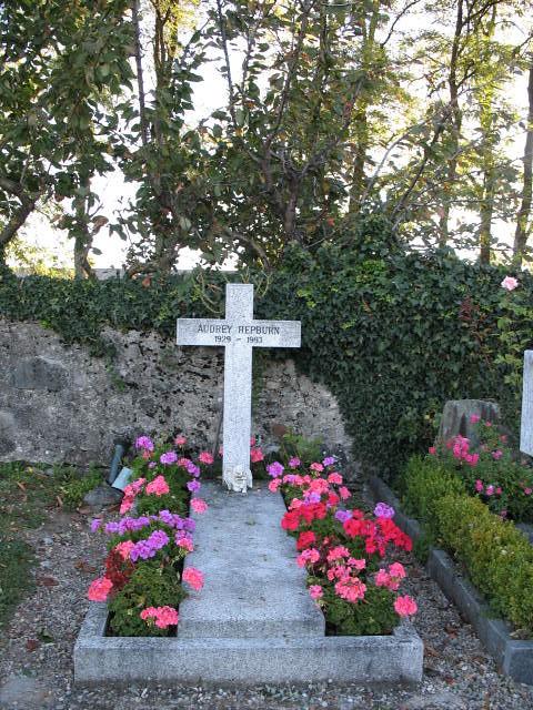 audrey hepburn u0026 39 s grave near lausanne