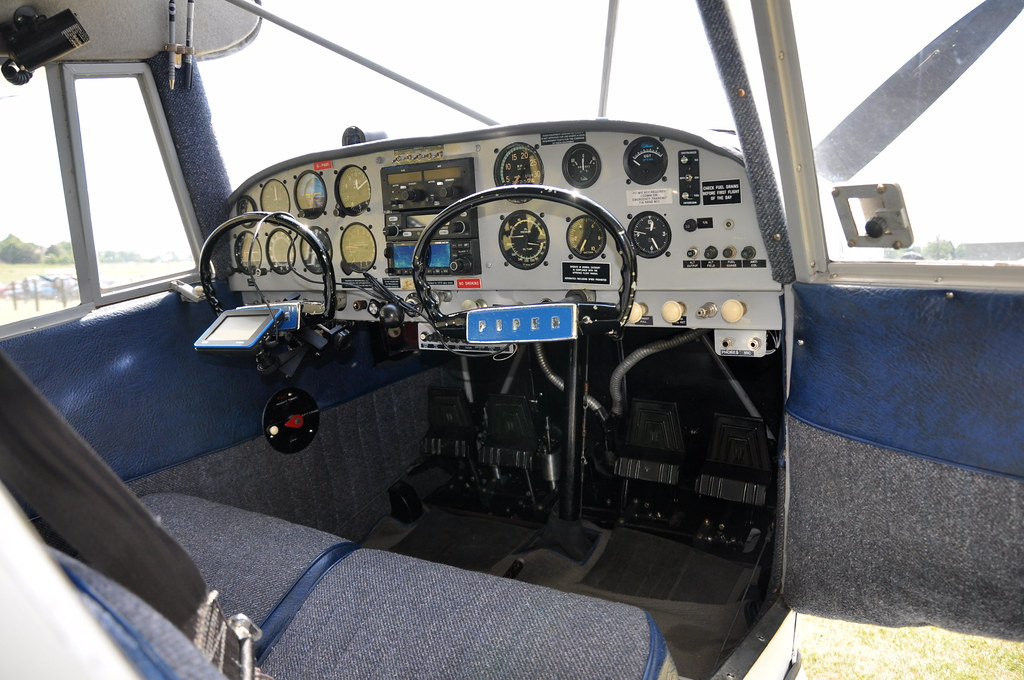 Cockpit Of G Paxx Piper Pa 20 135 Pacer Vintage Pipers