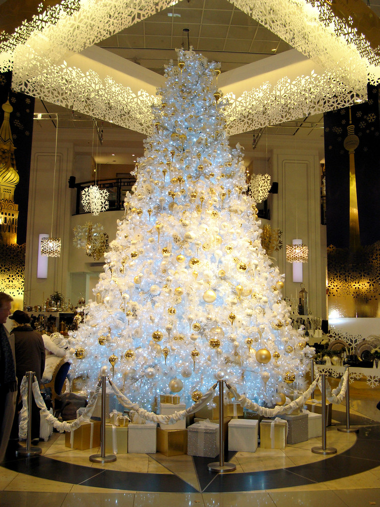 Weihnachtsbaum im kadewe berlin some details of this - Arboles de navidad blanco ...