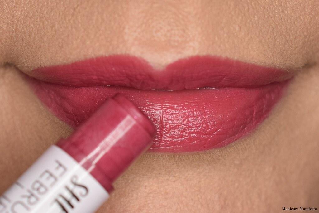 Hello Waffle lipstick swatch