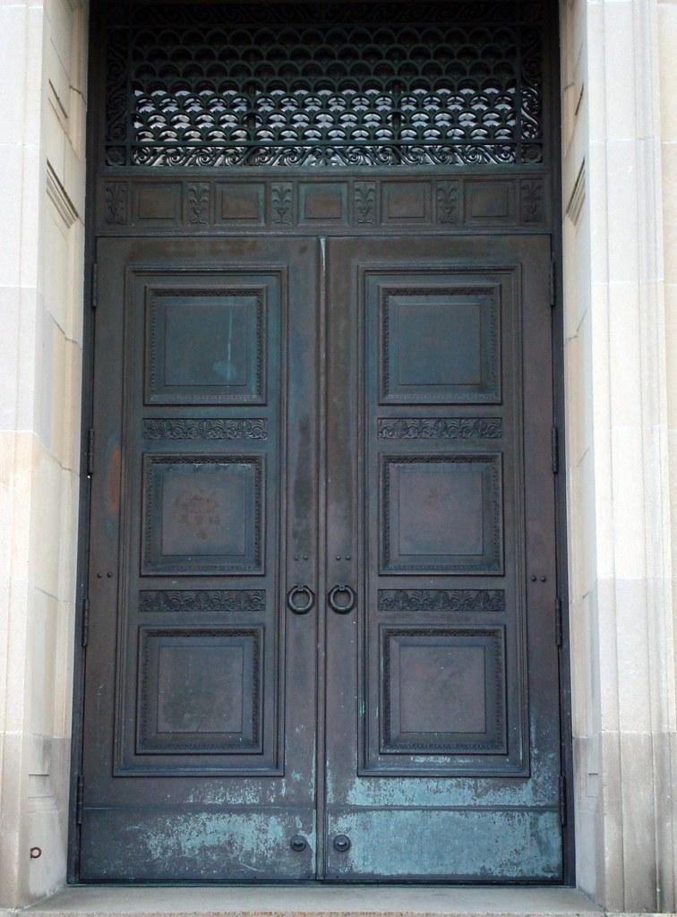 Worcester Art Museum Door One Of Three Front Doors At