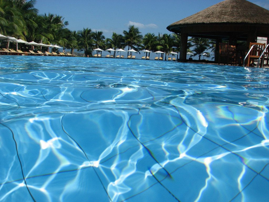 Best swimming pool in south east asia vinpearl best swim flickr for Swimming pools in the north east