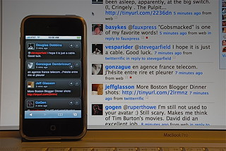 iTweet vs. twitter interface | by stevegarfield