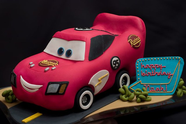 lightning mcqueen cake lightning mcqueen cake for more amazing cakes visit www 5536