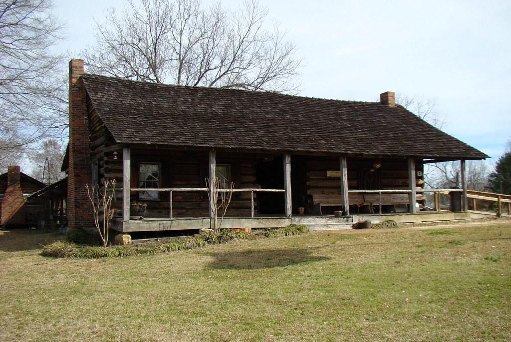 Log dog trot house jimmy smith flickr for Dogtrot modular homes