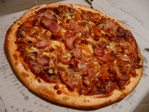 BBQ chicken and bacon pizza | Dinner from Dominos, 25/10 ...