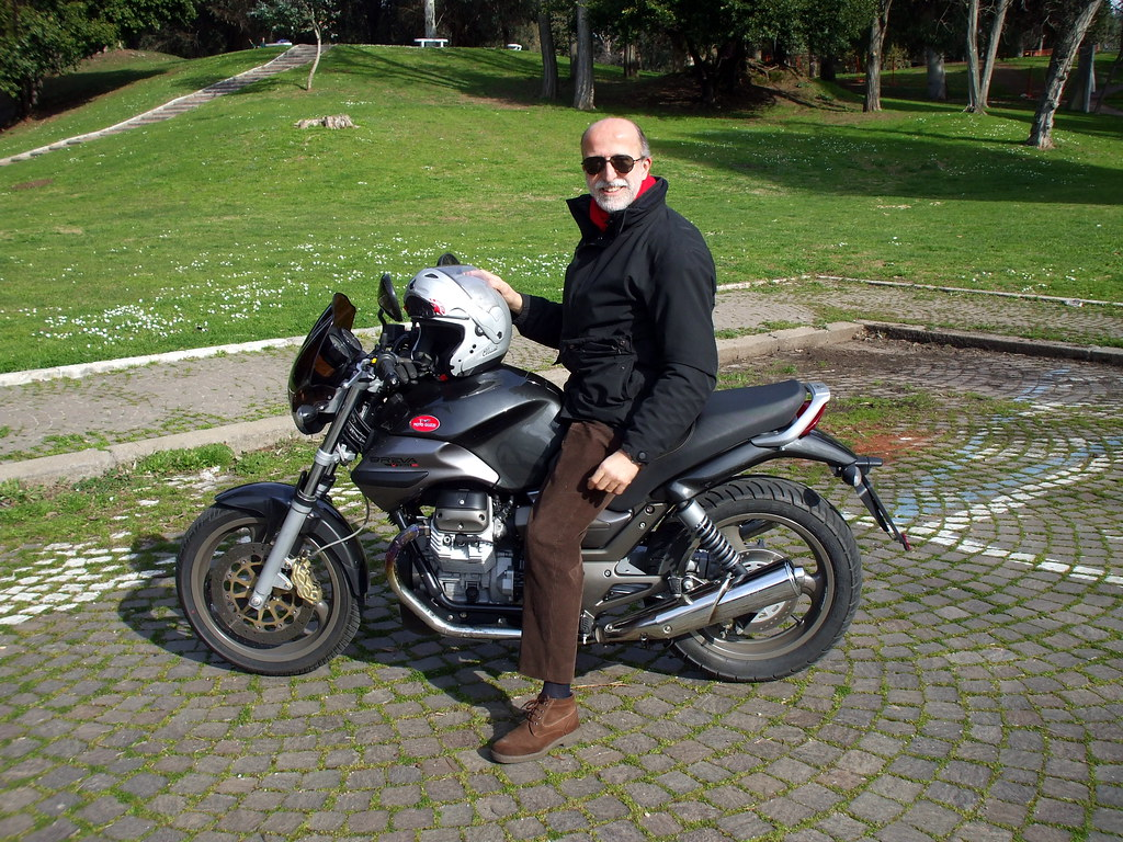 carlo on the new breva 750 moto guzzi breva 750 i e. Black Bedroom Furniture Sets. Home Design Ideas