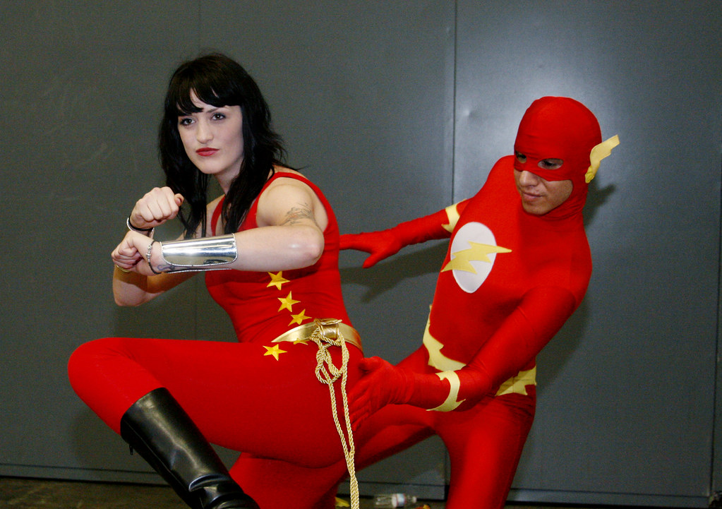 Cosplay Flash And Wonderwoman Touch Of Red
