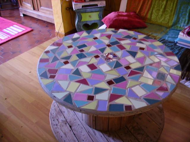 touret edf mosa que la table de jardin s 39 est transform e. Black Bedroom Furniture Sets. Home Design Ideas