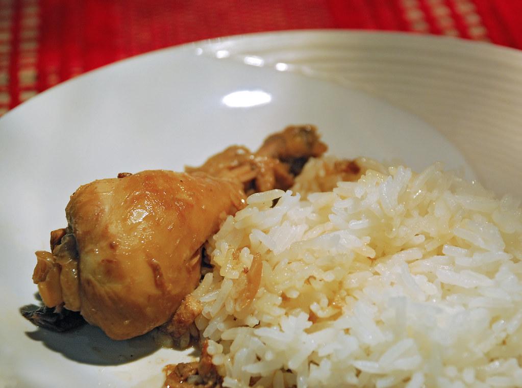Filipino Adobo | Chicken cooked in soy sauce, vinegar, garli ...