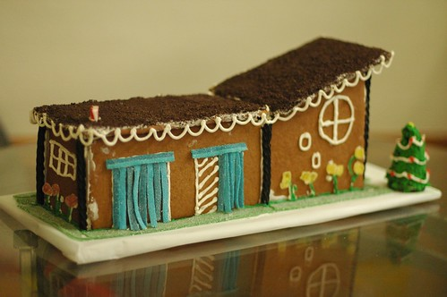 Back of the modern gingerbread | by sabrinabot