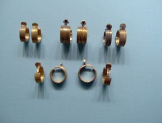 Earrings: From the tomb of the three minor wives of Thutmose III | by peterjr1961