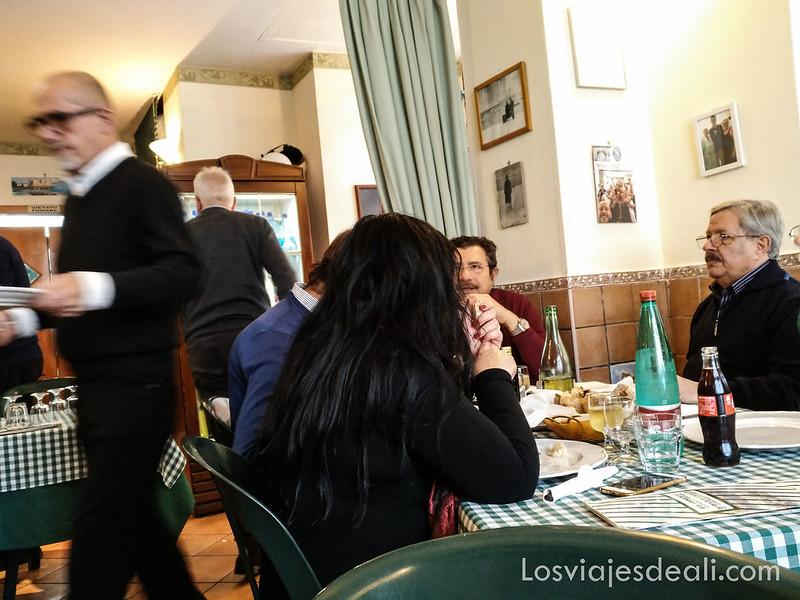 paseos por Nápoles restaurante