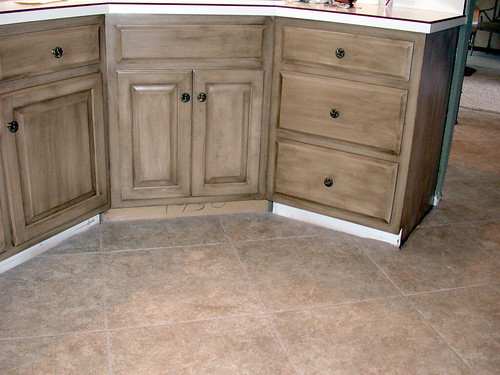 how to faux paint kitchen cabinets faux finish cabinets tlguill flickr 16960