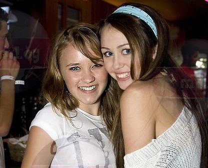 Emily Osment and Miley Cyrus | Miley Cyrus and Emily Osment ... Miley Cyrus